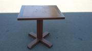Продам деревянный стол б.у. для кафе,  баров,  ресторанов
