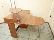 Продам письменный компьютерный стол в хорошем состоянии